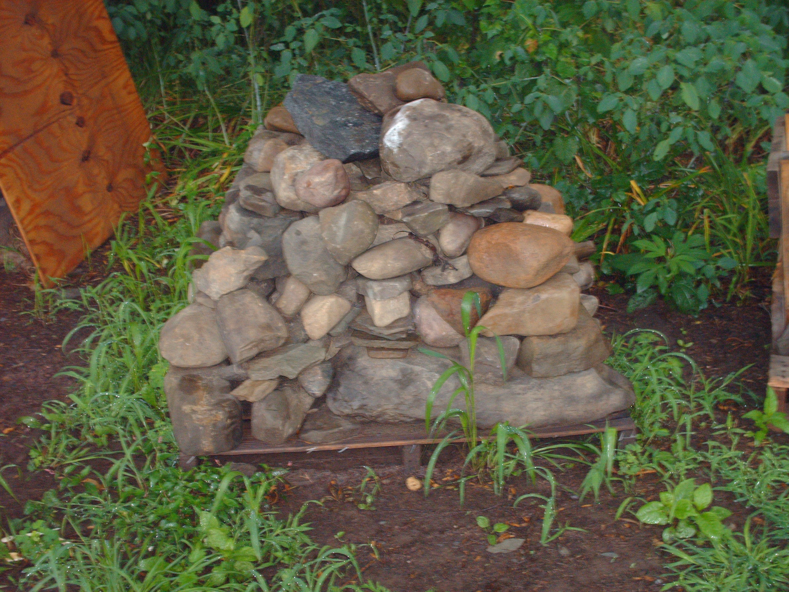 This pallet of Creek Stones is available.
